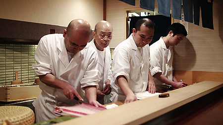 Jiro and fellow sushi makers in Jiro Dreams of Sushi (2012)