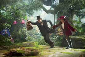 James Franco as Oz and Mila Kunis as Theodora escape trouble in Oz the Great and Powerful (2013)